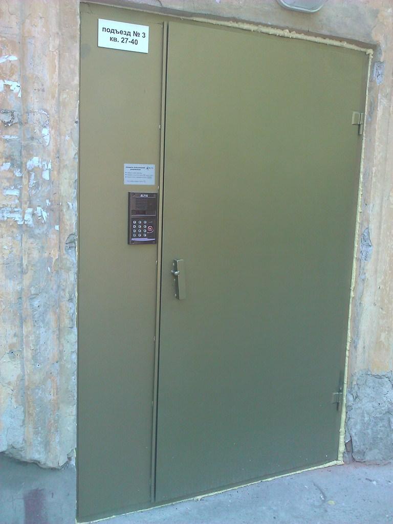 Двери входные металлические, сталь