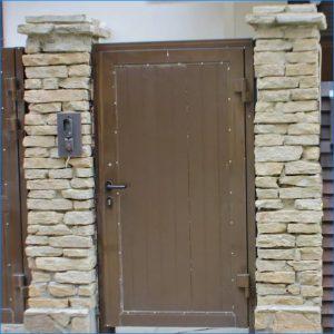 Вызывная панель калитки частного дома или дачи
